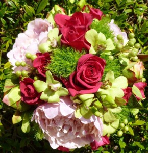 floral-edge-vanessa-wedding-bouquet1
