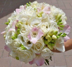 floral-edge-wedding-bouquet3