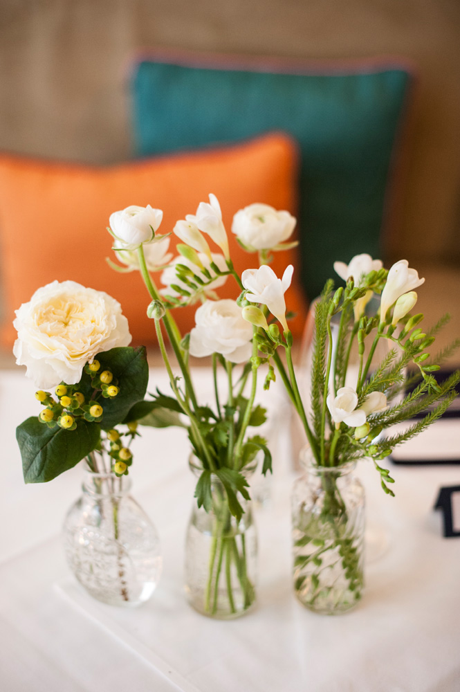 Floral wedding table decorations floral edge - Flowers for table decorations ...