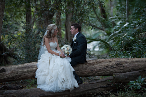 port-douglas-wedding-flowers-bride-tegan