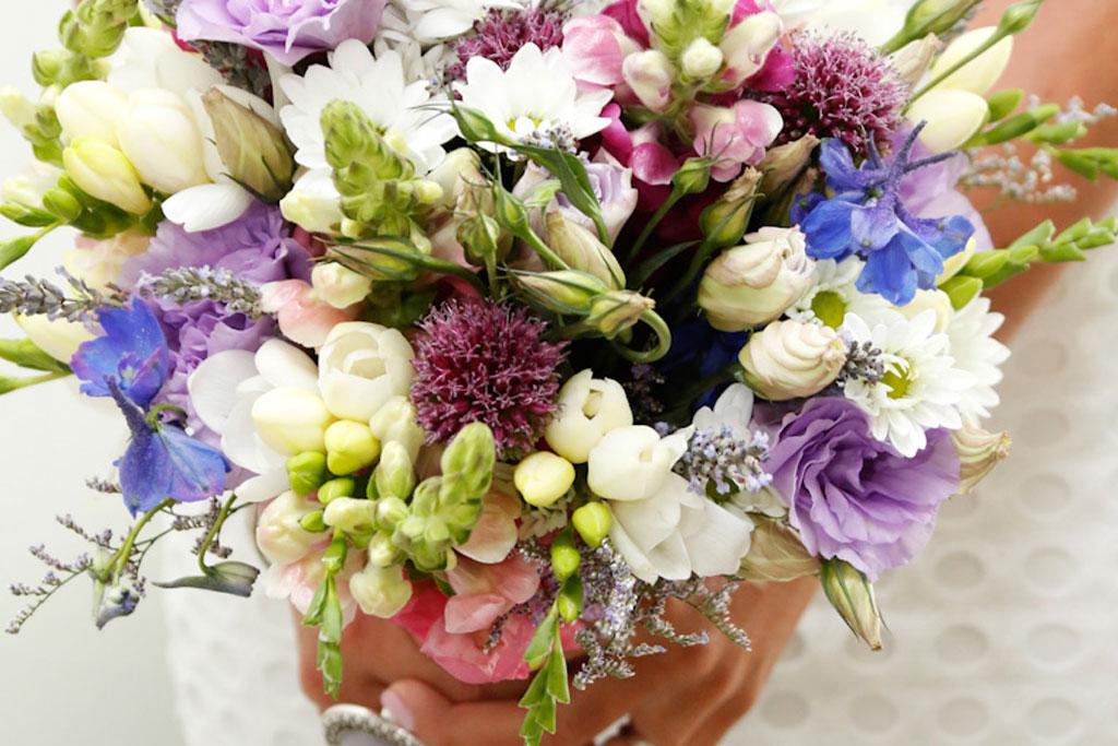 floral-wedding-bouquets