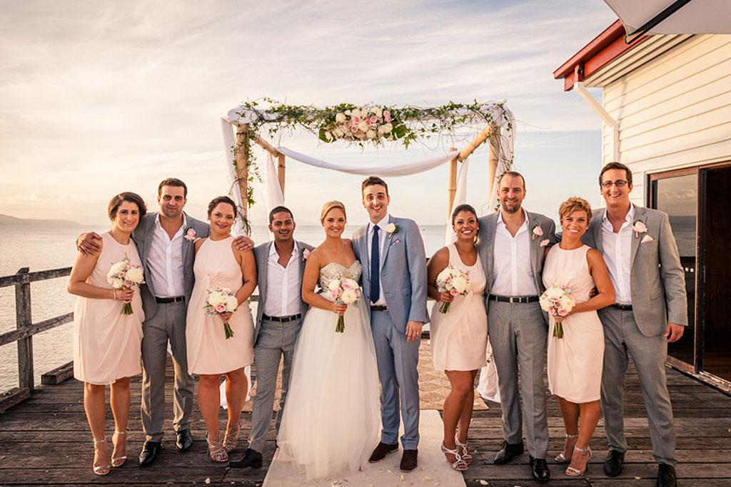 wedding-flowers-ceremony