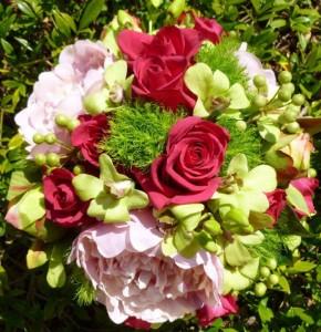 floral-edge-vanessa-wedding-bouquet1